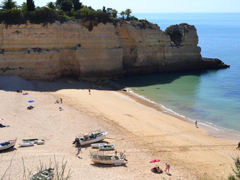 Praia-Nossa-Senhora-da-Rocha-2.jpg